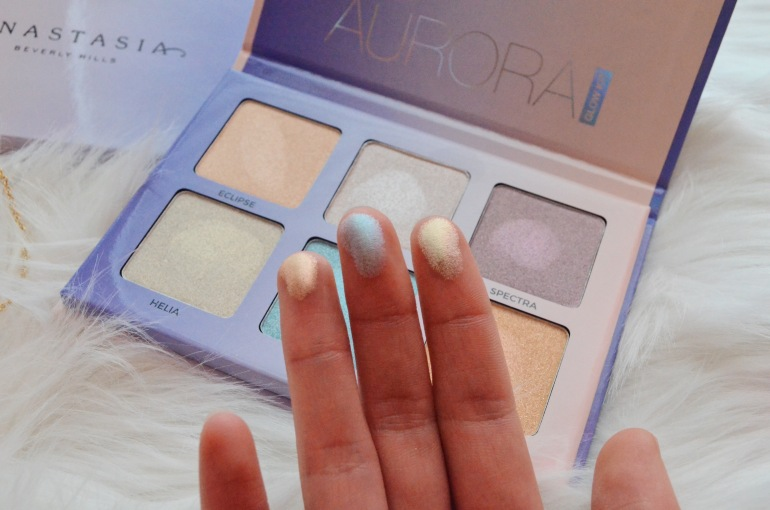 ABH Aurora Glow Kit Swatch